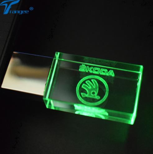 Škoda USB Flash Drive 16 GB 2.0 pro Barva Zelená